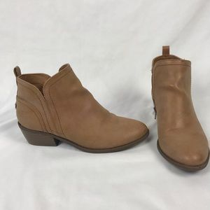 G by GUESS Light Tan Tammie Short Leather Boots